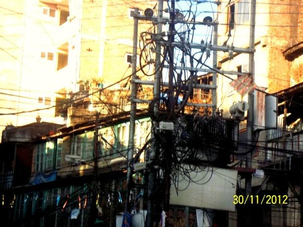 orrori elettrici a kathmandu